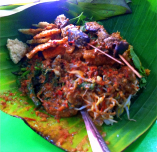 Sepincuk Pecel Yu Sri, kawasan Simpang Lima Semarang