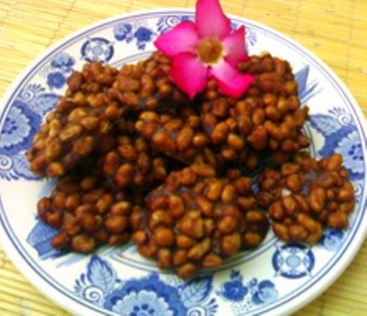 Ampyang atau Gula Kacang