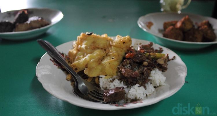 Brongkos Warung Ijo Bu Padmo (foto: diskon.com)