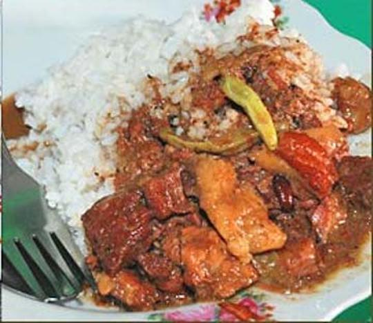 Brongkos khas Yogyakarta (Foto: Bondan Winarno – food.detik.com)