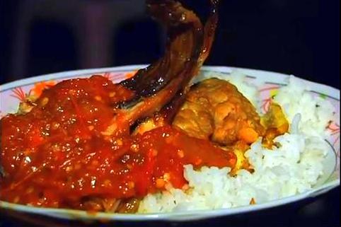 Sega Sambel, atau Nasi Sambal, Mak Yeye di Wonokromo - Surabaya