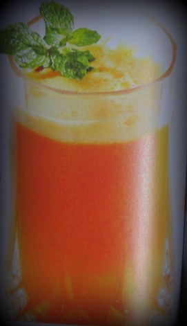 Jus sehat kombinasi wortel, apel, brokoli