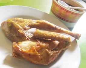 "Ayam Goreng ""Berkah"" Rachmat - Jakarta (foto: detikfood)"