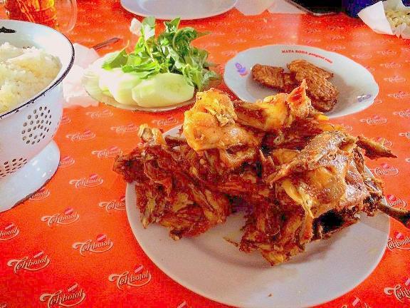 Ayam Kampung Goreng ala Mbah Cemplung (foto: selerakita.info)