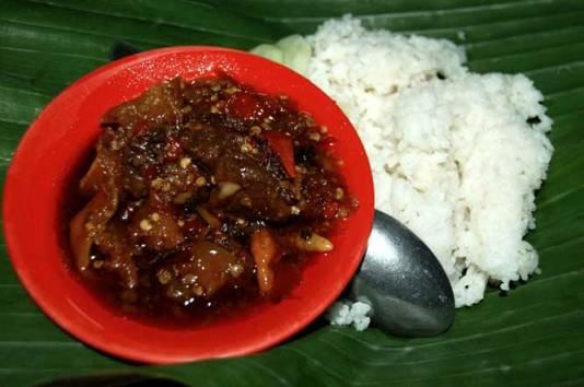 Oseng-oseng Mercon Bu Narti Jogja (foto: www.telusurindonesia.com)