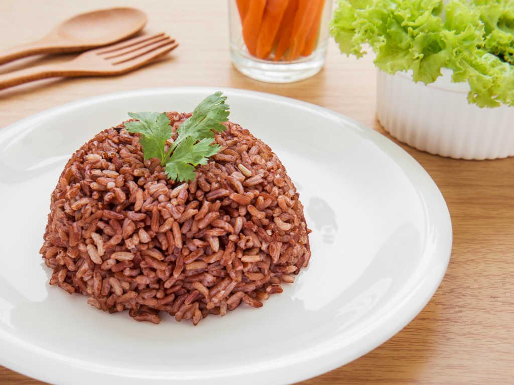Tips Memasak Nasi Merah Agar Empuk | KabarKuliner.com