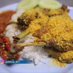 Nikmatnya Bebek Goreng Bertabur Serundeng ala Nasi Bebek Tugu Pahlawan Surabaya