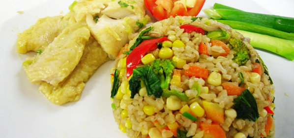 Nasi Goreng Sayur / Nasi Goreng Vegetarian (ilustrasi: distrotasonline.com)