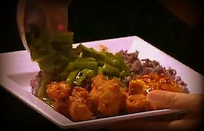 Nasi Kalong dengan aneka lauk
