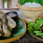 Nostalgia Kuliner Tradisional di Ayam Ingkung Kuali